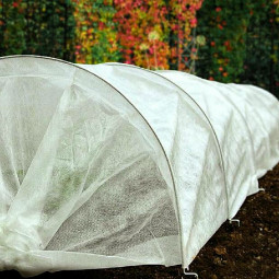 2x10m Wide Garden Cold Frost Wind Fleece for Winter Plant Protection